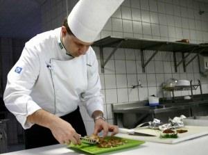 Возможно ли больным псориазом работать поваром